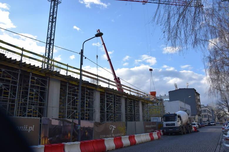 Dom przy Filharmonii w Katowicach w budowieZobacz kolejne zdjęcia. Przesuwaj zdjęcia w prawo - naciśnij strzałkę lub przycisk NASTĘPNE
