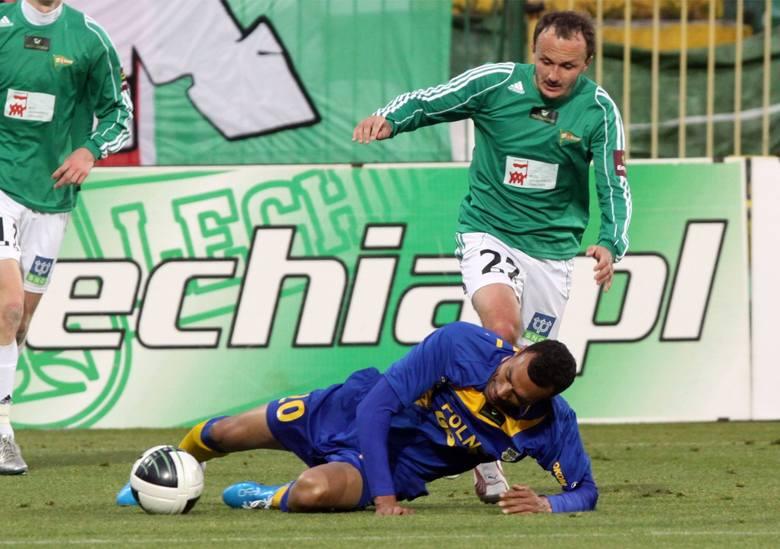 W barwach Lechii grał w latach 2009 - 2012. W 80 meczach zdobył 8 goli. Potem grał w Sandecji, Garbarni, Porońcu, Wiślance Grabie. Od połowy 2018 r.