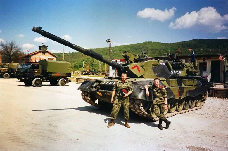 Roman Szymański (drugi z prawej) był saperem. Bardzo miło wspomina swój pobyt na misji w Bośni i Hercegowinie
