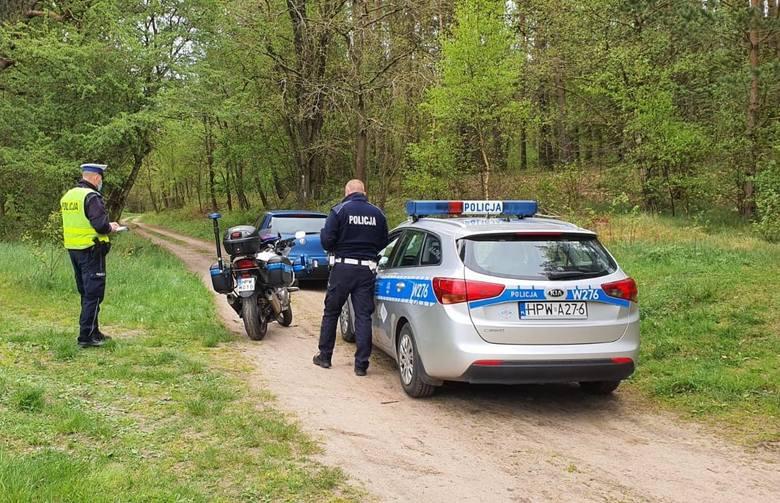 Pijany potrącił policjanta i próbował uciekać. 27-latek usłyszał siedem zarzutów [ZDJĘCIA]