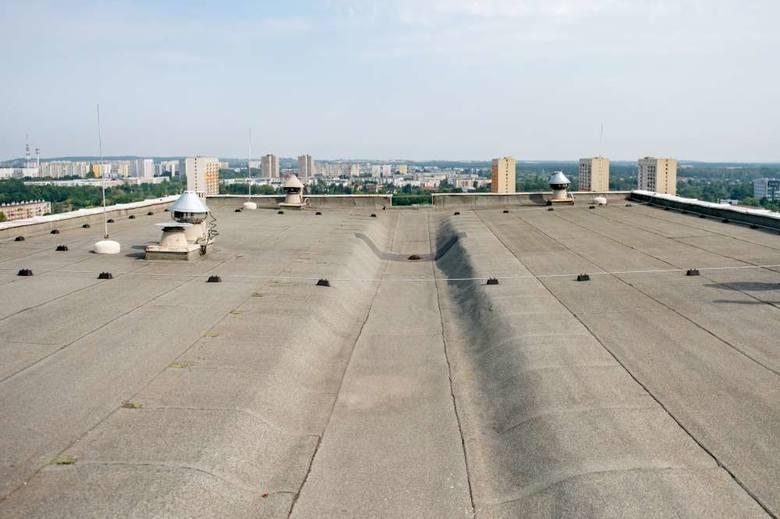 Jeszcze w tym roku panele słoneczne pojawią się na pięciu  wieżowcach na os. Zwycięstwa oraz dwóch budynkach na os. Przyjaźni – tam gdzie mieści się Winogradzka Telewizja Kablowa oraz siedziba Poznańskiej Spółdzielni Mieszkaniowej Winogrady