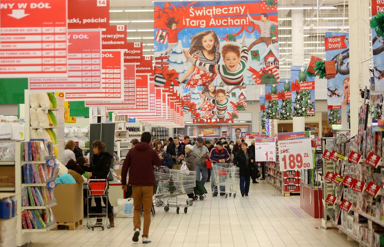 50 sklep marki auchan w polsce zosta otwarty w odzi for Email auchan
