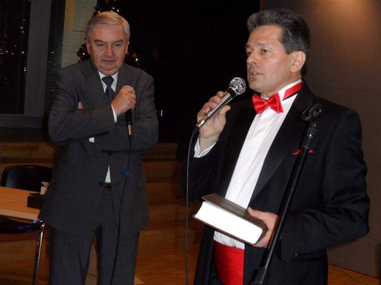 Kpt Jacek Janiga (z prawej) i Tadeusz Sznuk na promocji książki