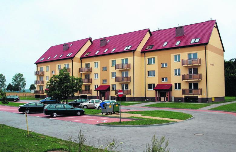 Konstrukcja budynku jest murowana, z materiałów ceramicznych, stropy są monolityczne żelbetowe a dach dwuspadowy z drewnianą konstrukcją, kryty dachówką