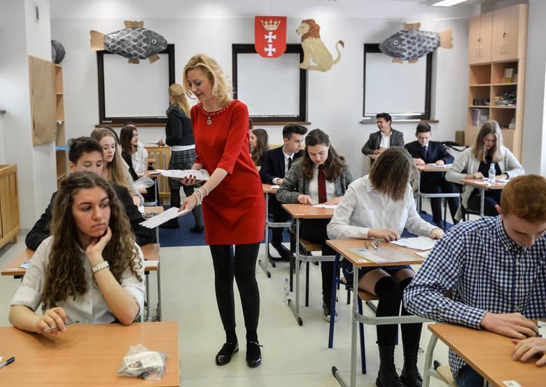 Egzamin gimnazjalny 2016: język rosyjski rozszerzony, arkusz, transkrypcje, karty odpowiedzi