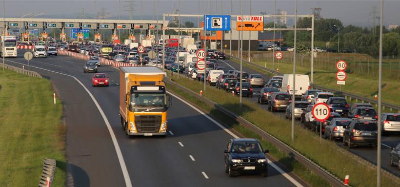 Przy bramkach na węźle Sośnica, na autostradzie A4 często można utknąć w korku. Wdrożenie elektronicznego poboru opłat może to ryzyko zminimalizować