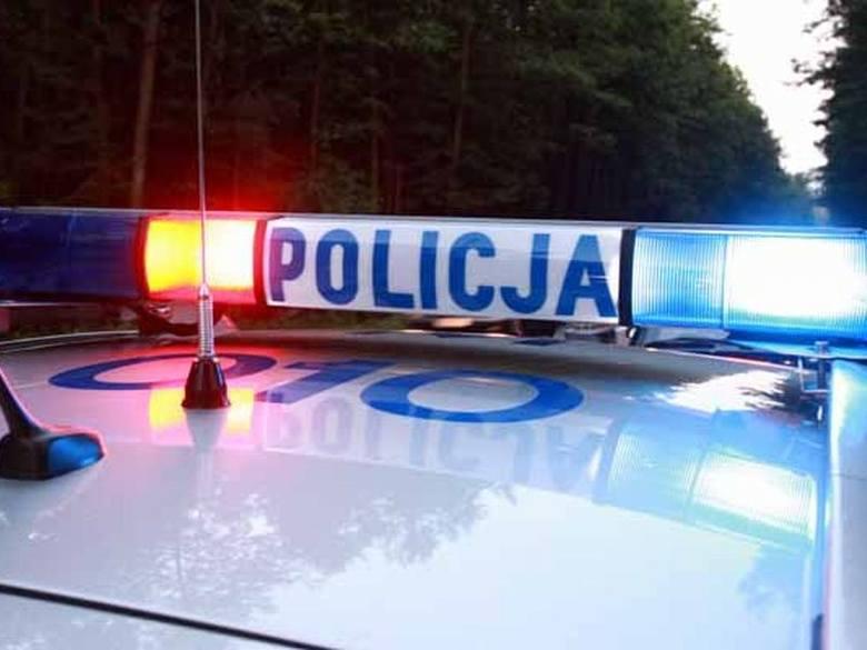 Tragiczny wypadek w Proniewiczach. Ciężarówka zderzyła się z busem. Nie żyją dwie osoby