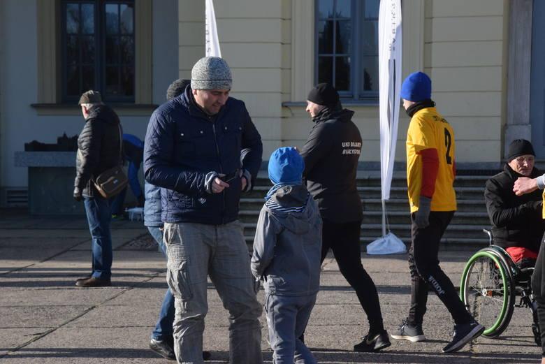 2. Bieg Pamięci Sybiru 2020 w Białymstoku. Białostoczanie przebiegli ulicami miasta w Biegu Dziennym (zdjęcia)
