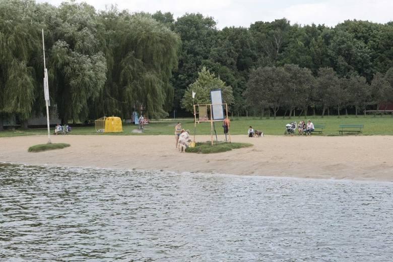 """Familijny Poznań przejmuje kolejne """"trudne miejsca"""" w mieście. Po tym jak zrezygnował dzierżawca plaży nad Rusałką fundacja ogłosiła,"""