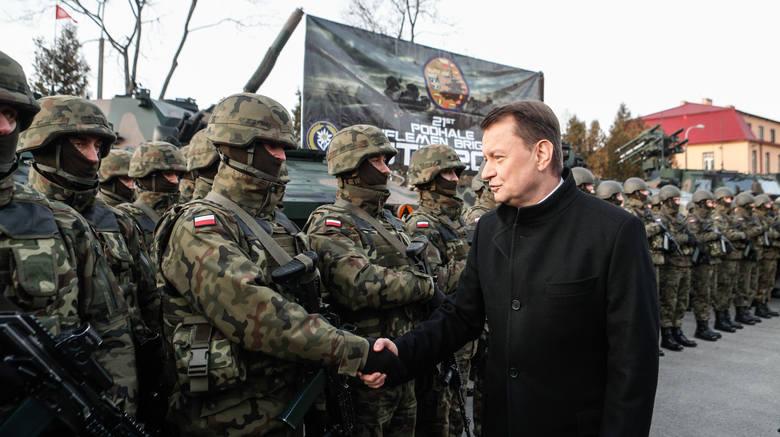"""Podhalańczycy rozpoczynają dyżur jako """"szpica NATO"""", Błaszczak z wizytą w Rzeszowie."""