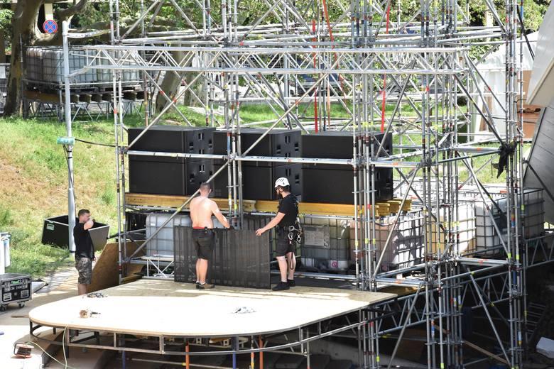 Festiwalowa scenografia będzie sięgać ponad 6 metrów nad konstrukcję dachu.