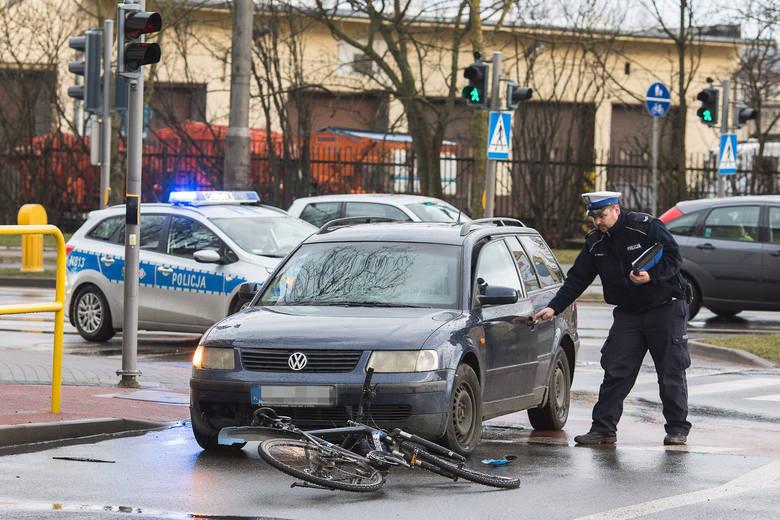 W czwartek (14.03) około godz. 17 na skrzyżowaniu ulic Szczecińskiej z Jana Sobieskiego, doszło do potrącenia rowerzysty. Policja ustala dokładne przyczyny