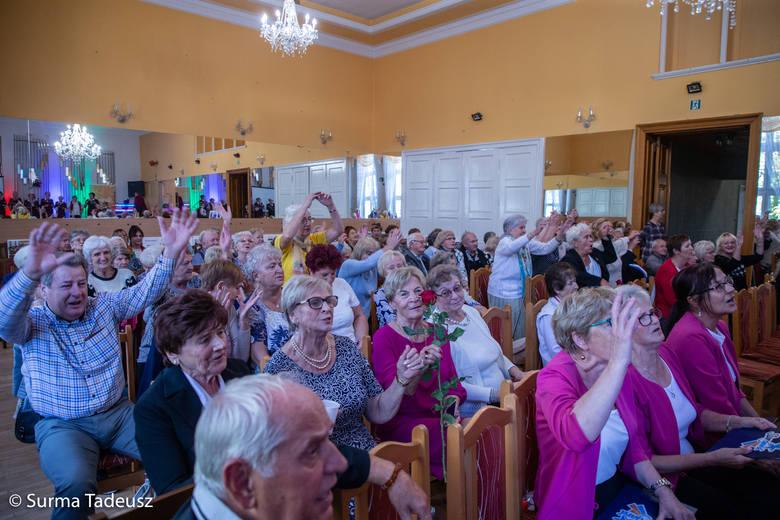 Miła uroczystość u stargardzkich emerytów. Świętowali 10-lecie swojego sztandaru [ZDJĘCIA]