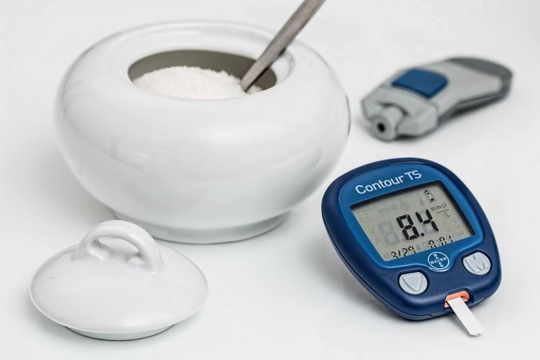 Te objawy mogą świadczyć o wysokim cukrze. Hiperglikemia - jak rozpoznać niepokojące objawy?