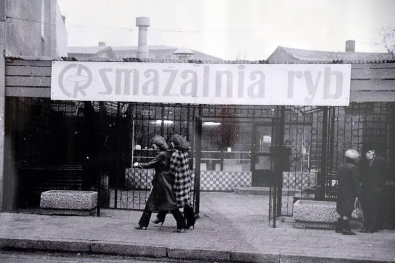 """Zdjęcia z wystawy """"Dawna Zielona Góra okiem Tomasza Czyżniewskiego"""" . Można ją oglądać do końca września w galerii przy ul. Wazów"""