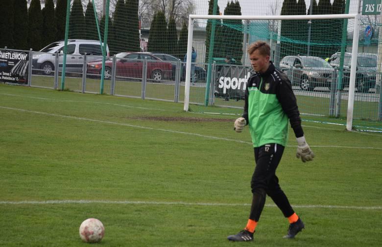 Stal Stalowa Wola po serii trzech meczów bez zwycięstwa ograła w Boguchwale GKS Bełchatów 1:0 i w praktyce zapewniła sobie utrzymanie w 2 lidze. Relacja