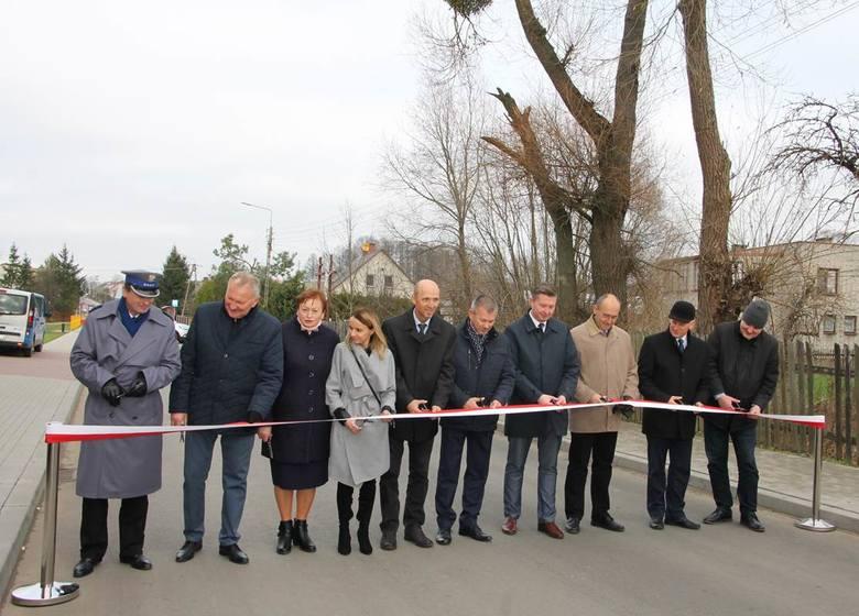 Niespełna dwa kilometry modernizacji drogi przez Kuriany kosztowało 14,6 mln zł.  To wspólna inwestycja Starostwa Powiatowego w Białymstoku i gminy Zabłudów.