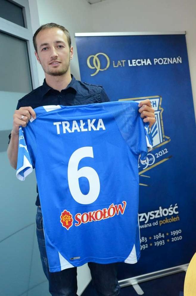 W piątek trzyletni kontrakt z poznańskim klubem podpisał Łukasz Trałka.