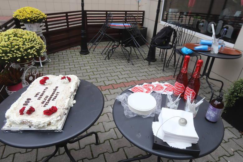 Tort na urodziny remontu al. Śmigłego-Rydza w Łodzi. Prace trwają już 800 dni!