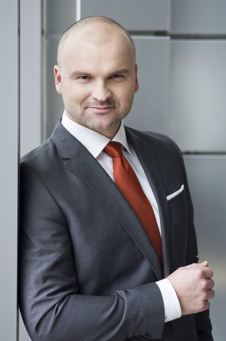 Rafał Brzoska - 1,3 mld dolarówZałożyciel i prezes InPostu.