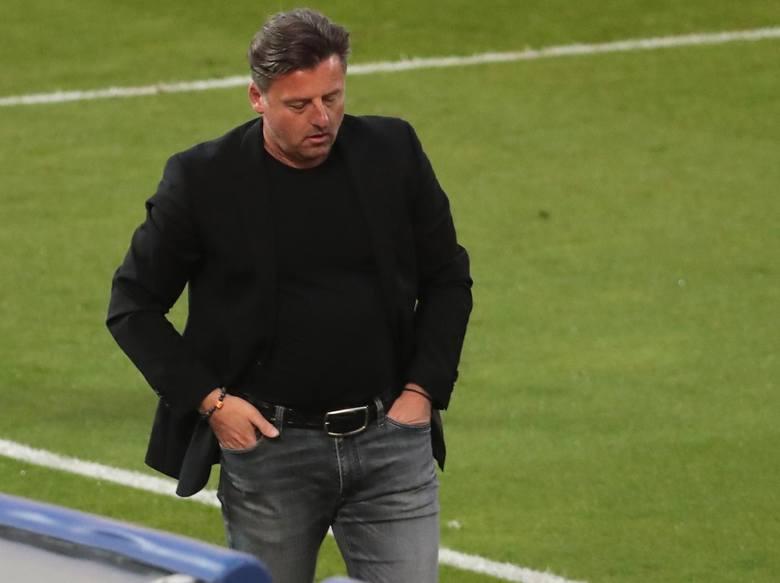 49 lat, Niemiec, przedtem TSV 1860 Monachium. W Pogoni Szczecin pracuje od 6 listopada 2017 roku. Jeszcze nie nauczył się języka polskiego. Miejsca w