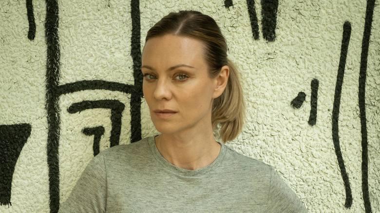 """Magdalena Boczarska wciela się w postać policyjnej profilerki w serialu """"Żywioły Saszy - Ogień"""", dostępnym w serwisie Player.pl"""
