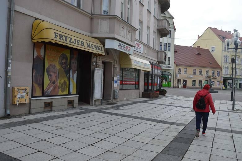 Salony fryzjerskiej, kosmetyczne czy tatuażu są obecnie zamknięte...