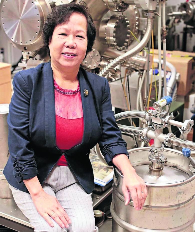 Profesor Nhu-Tarnawska: Patrzę w niebo, widzę fizykę