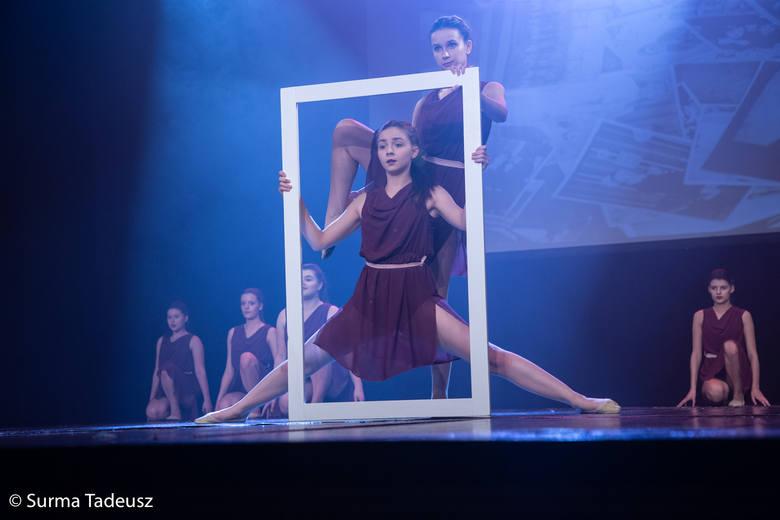 Tancerki z Młodzieżowego Domu Kultury w pięknym pokazie na zakończenie roku [ZDJĘCIA]
