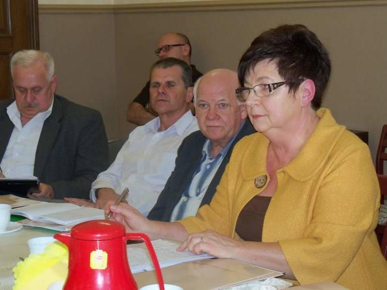 Emerytów w Prudniku jest już wielu, a będzie jeszcze więcej - mówi Regina Sieradzka, przewodnicząca Rady Seniorów (z prawej).