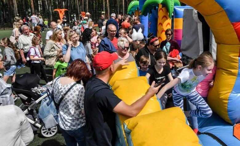 Zawody sportowe, występy taneczne i muzyczne, zajęcia sportowe i wiele innych atrakcji czekało na uczestników festynu rodzinnego, który w sobotę odbył