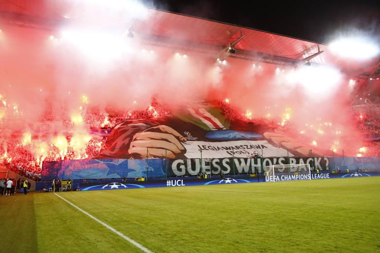 """Magazyn """"France Football"""" opracował listę 30 stadionów, na których kibice robią najgorętszą atmosferę. Wśród nich są fani Legii Warszawa."""