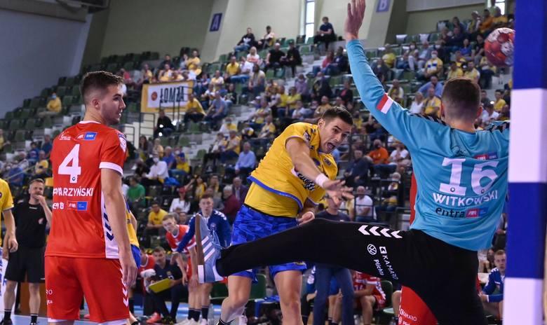 Piłkarze ręczni Łomża Vive Kielce otworzyli sezon w PGNiG Superlidze zwycięstwem na Torus Wybrzeżem Gdańsk 34:25. W kieleckim zespole zadebiutowało w