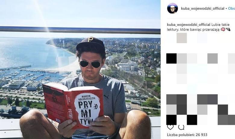 Kuba Wojewódzki wrzucił do sieci zdjęcia swojego apartamentu w Gdyni. Słynny dziennikarz na co dzień mieszka w Warszawie, jednak ostatnio dużo czasu