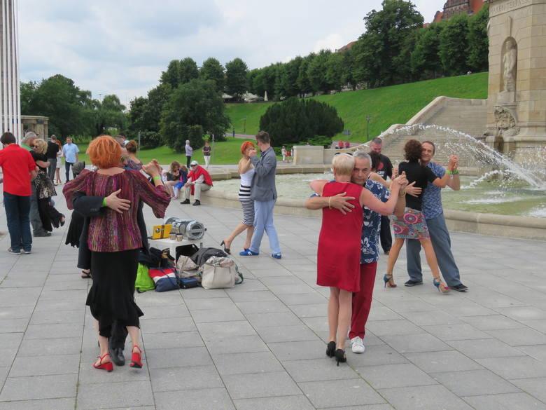 W żadnym tańcu partnerzy nie są tak blisko siebie jak w tangu