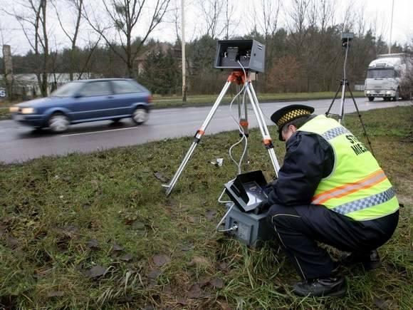 - Fotoradar wykonał 215 zdjęć, rekordzista pędził w tym miejscu z prędkością 120 km/h - mówi Joanna Wojtach ze szczecińskiej straży miejskiej.