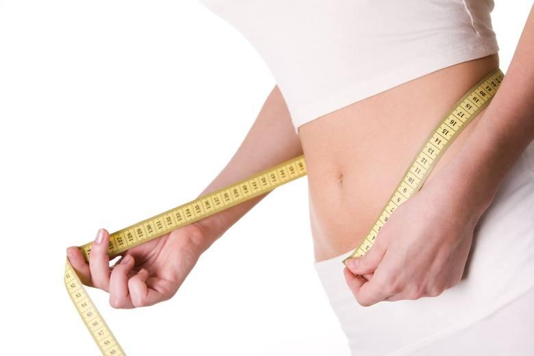 Nie trzeba udawać się na wizytę do dietetyka, aby obliczyć BMI. W tym celu wystarczy swoją masę ciała wyrażoną w kilogramach, podzielić przez wzrost