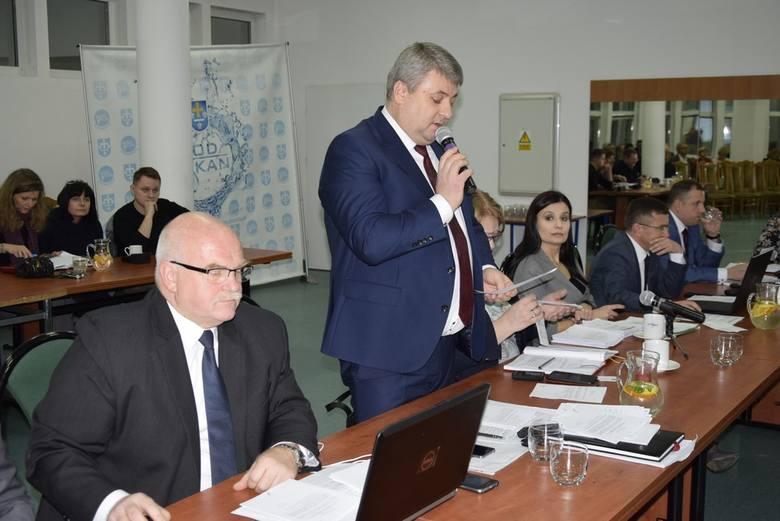 W czwartek, 24 stycznia odbyła się kolejna sesja Rady Miasta Skierniewice. Uczestniczyło w niej 20 spośród 21 radnych.