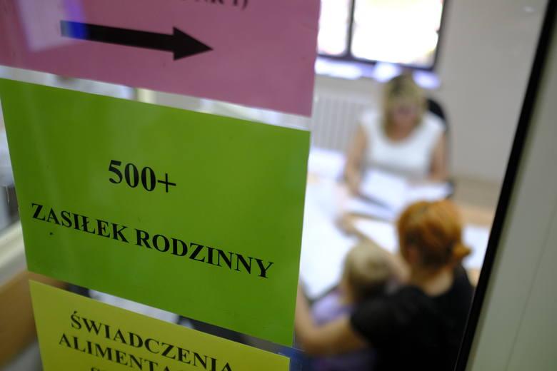 """Polacy w większości są sceptyczni wobec propozycji rozszerzania programu """"500 plus"""" na każde dziecko w rodzinach, w których rodzice celowo uchylają się"""