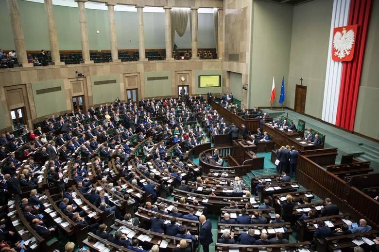 Prześwietliliśmy oświadczenia majątkowe lubuskich parlamentarzystów. Sprawdziliśmy, ile zarabiają posłowie i senatorowie z lubuskiego, jakie mają oszczędności