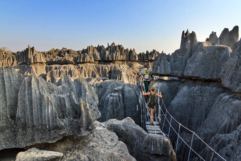 Tsingy de Bemaraha, rezerwat na MadagaskarzeWapienny masyw w zachodnim Madagaskarze w 1990 roku został wpisany na listę światowego dziedzictwa kulturowego