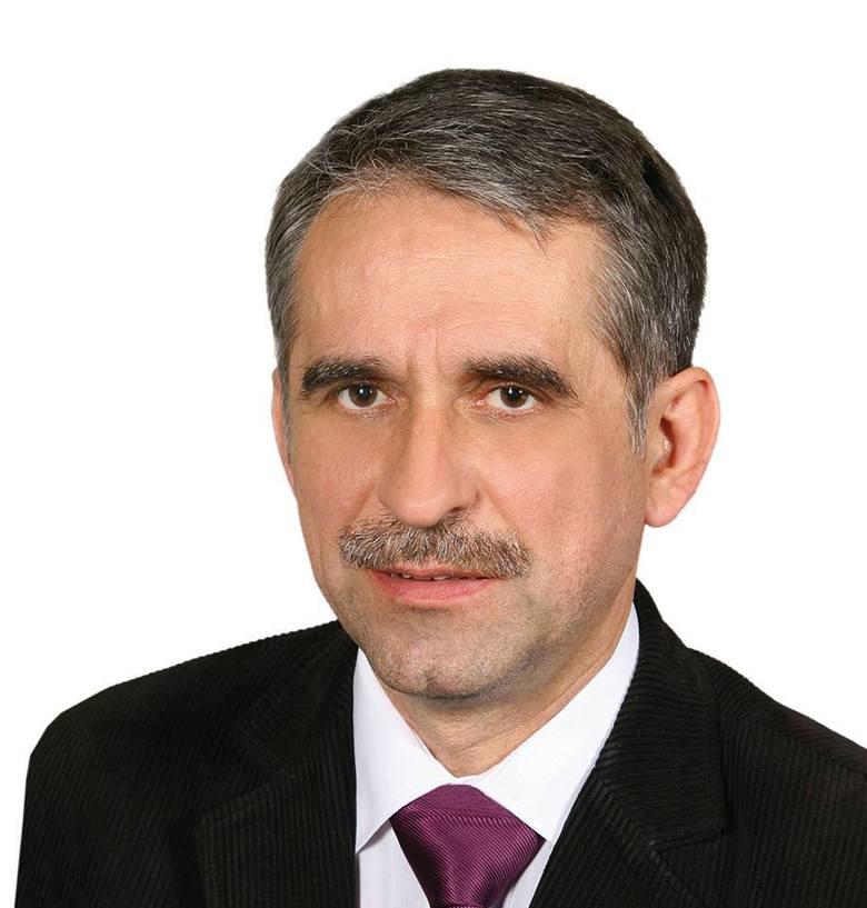 Głosami koalicji PO-Porozumienie Ryszarda Brejzy-PSL-SLD Andrzej Sieradzki został przewodniczącym komisji rewizyjnej Rady Powiatu Inowrocławskiego. Na