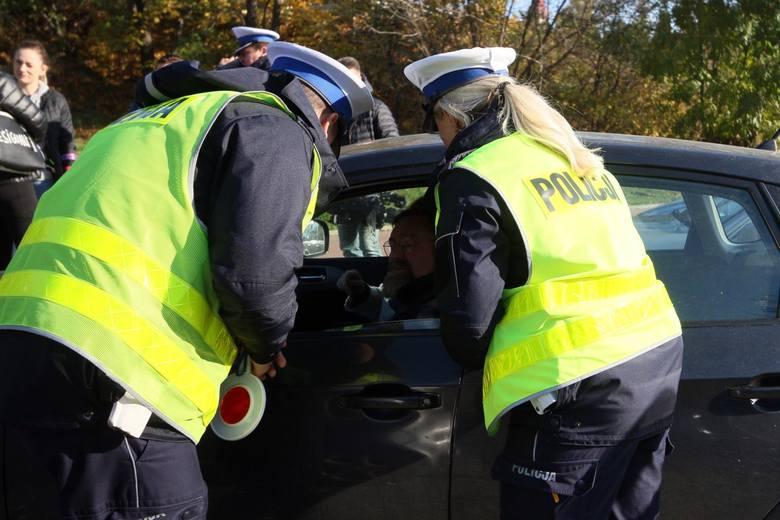W ciągu najbliższych kilku miesięcy rząd zamierza wprowadzić zmiany, które przyczynią się do poprawy bezpieczeństwa na drogach. Za złamanie nowych przepisów
