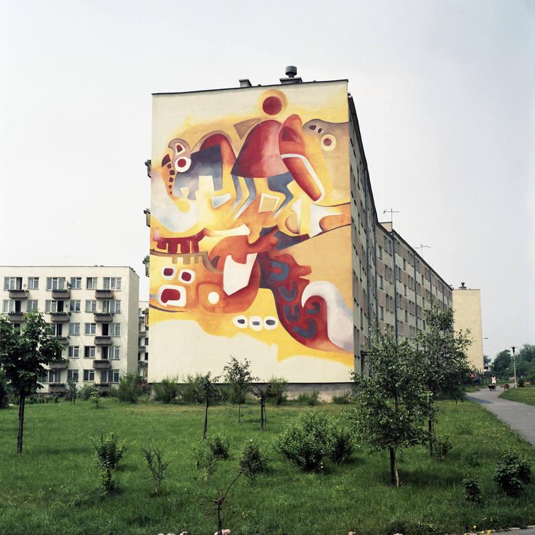 """""""Kompozycja"""" z osiedla Krasińskiego na LSM. Autorami tego malowidła ściennego byli Aniela Kuenne (Chorzów) i Zygfryd Dudzik(Katowice)."""