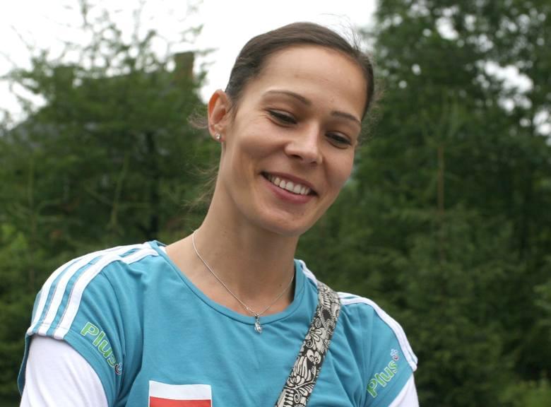 O ile Leon został pierwszy zagranicznym siatkarzem w kadrze, o tyle Maria Liktoras została pierwszą zagraniczną siatkarką. Ukrainka do Polski przyjechała