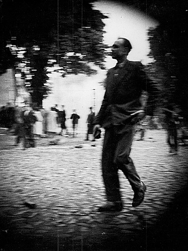 Wydarzenia Zielonogórskie - 30 maja 1960 roku pięć tysięcy zielonogórzan wyległo na ulice by bronić Domu Katolickiego. Przez kilkadziesiąt lat byli chuliganami, teraz bohaterami antykomunistycznego wystąpienia.