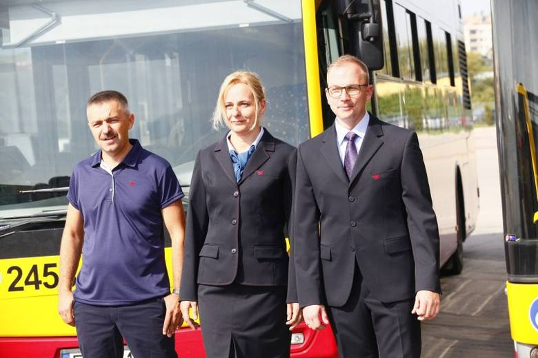 Od lewej - Andrzej Ścibisz w polówce z coolmaksu, Marta Kukulska w żakiecie ze spódnicą i Sebastian Mlonka w służbowym garniturze.