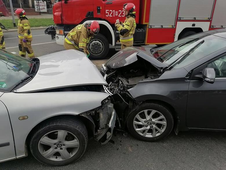 W środę na ul. Jagiellońskiej w Przeworsku doszło do zderzenia dwóch samochodów osobowych. Na szczęście nikt nie ucierpiał. W działaniach brały udział