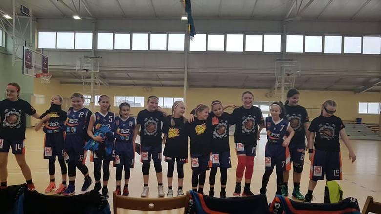 Wschowsko-Sławskie Towarzystwo Koszykówki WSTK  na rozgrywki w lidze koszykówki otrzyma 52,5 tys. zł.