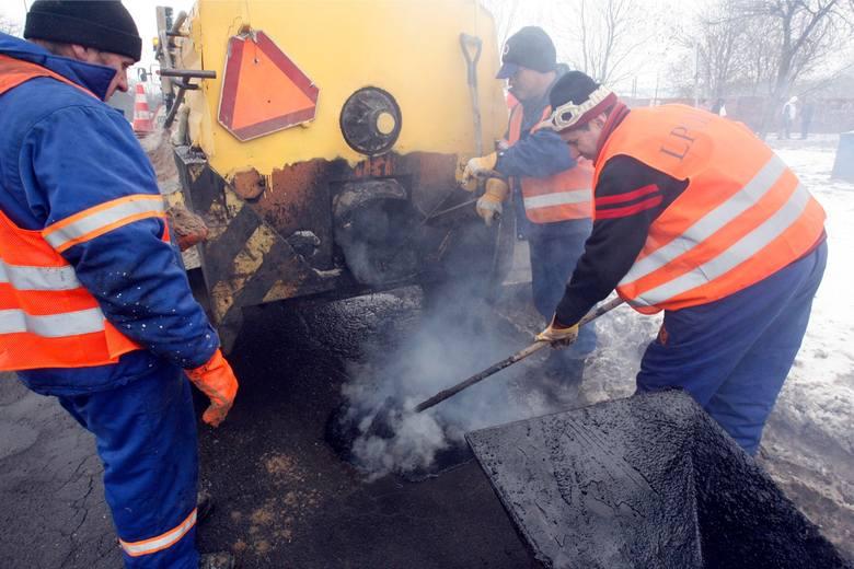 Wrocław: Załamanie pogody opóźni szybkie remonty na pięciu ulicach